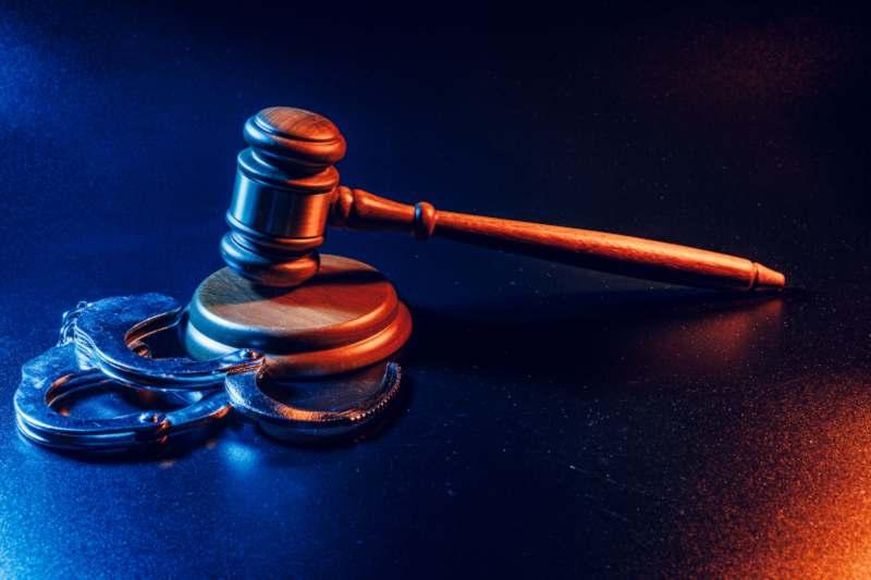 חשוד בעבירת שיבוש הליכי משפט – דע מהן זכויותיך